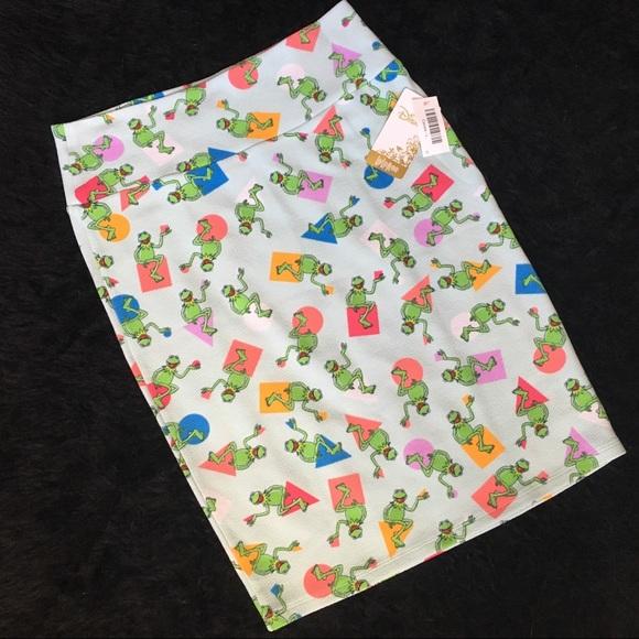 LuLaRoe Dresses & Skirts - NWT/LuLaRoe Disney Cassie Pencil Skirt